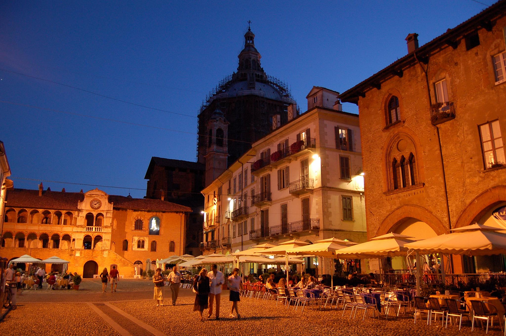 удобны, фото павия черановп город страна италия могло