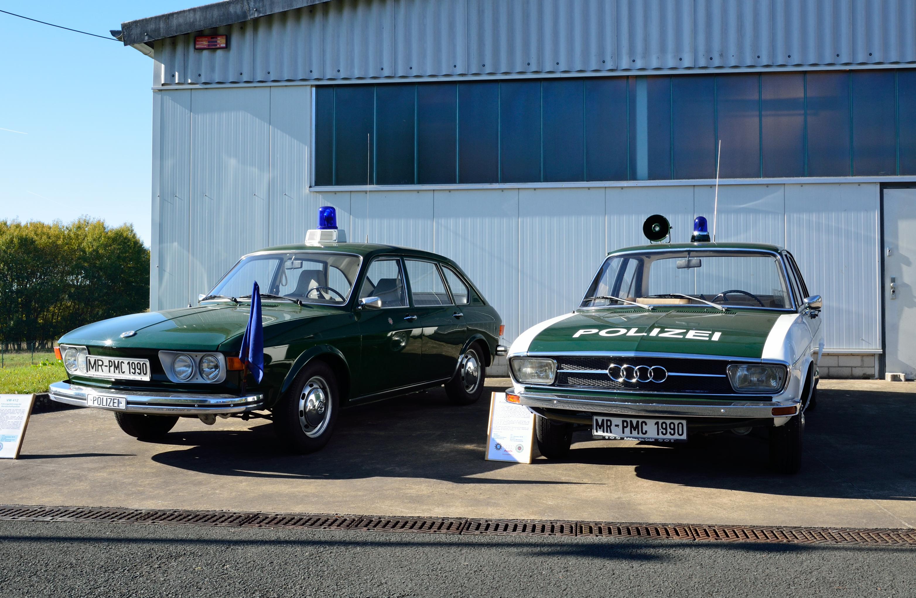 File Polizeioldtimer Vw Und Audi Jpg Wikimedia Commons