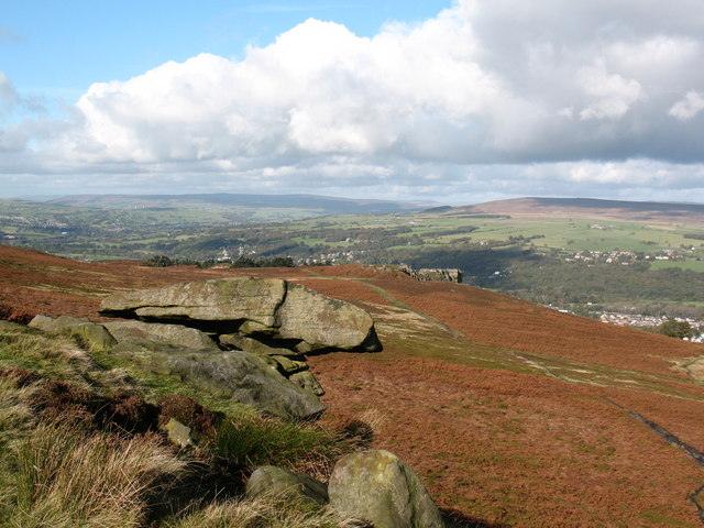 Rock outcrop Ilkley Moor - geograph.org.uk - 1020371