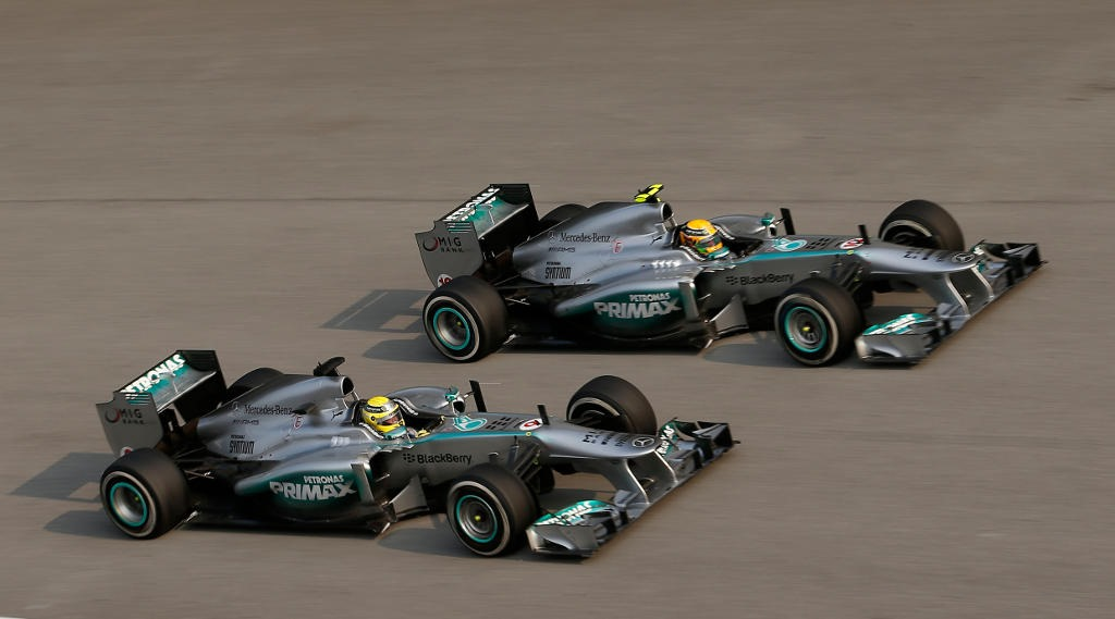 File Rosberg vs Hamilton en el GP de Malasia on mercedes benz logo usage