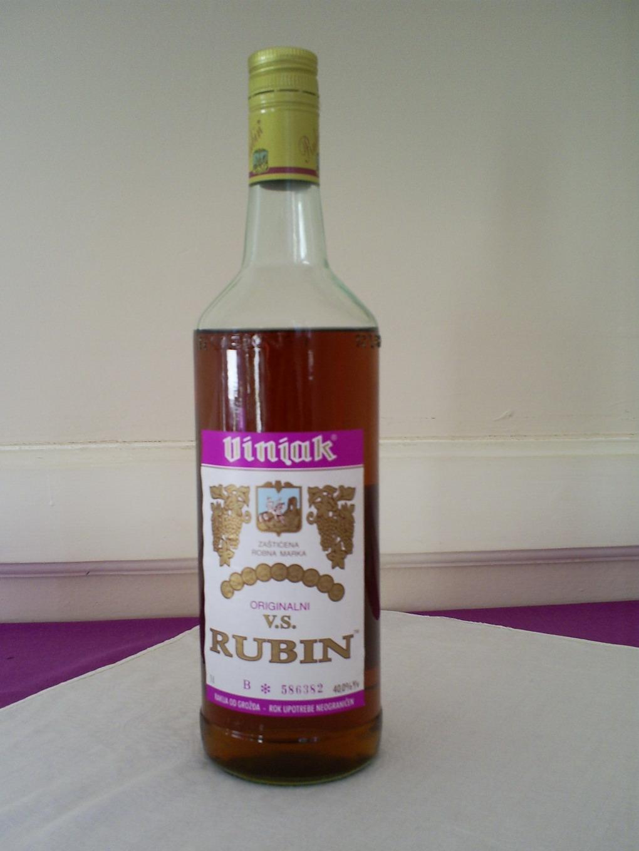 Zovnite konobara Rubinov_vinjak