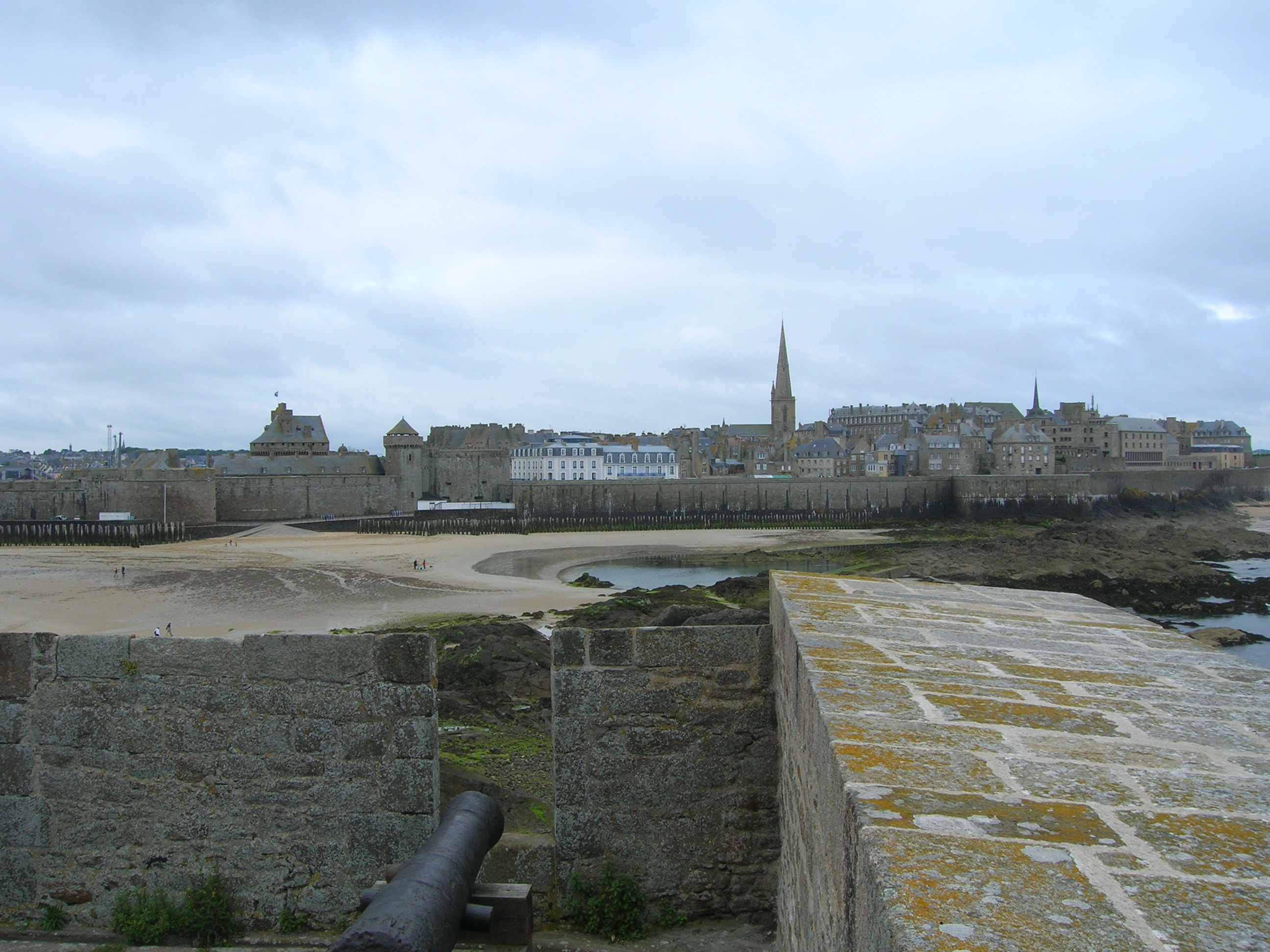 file saint malo viewed from fort national jpg wikipedia. Black Bedroom Furniture Sets. Home Design Ideas