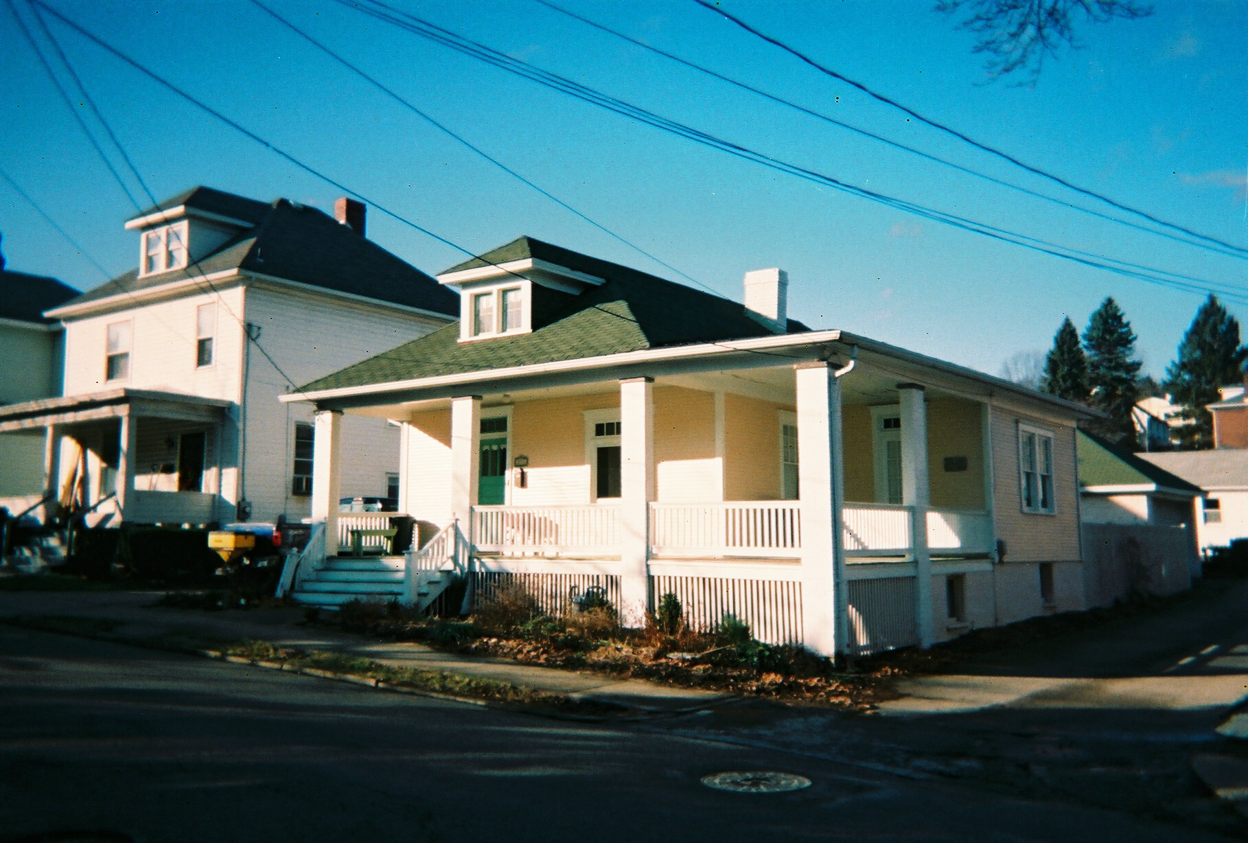 https://upload.wikimedia.org/wikipedia/commons/f/f9/Sears_Catalog_Home_Greensburg_Pennsylvania.jpg