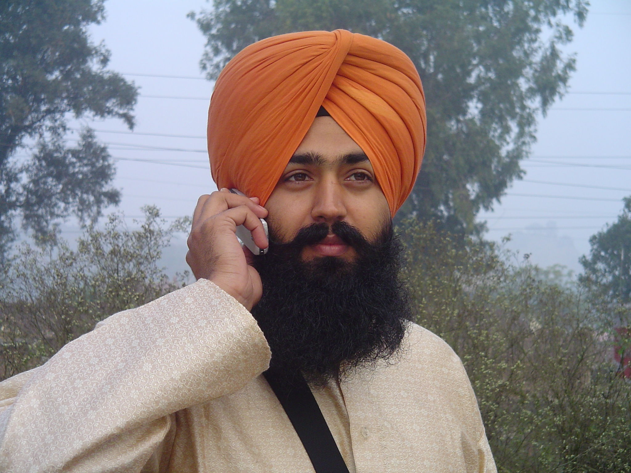 Punjabi Turban http://commons.wikimedia.org/wiki/File:Sikh_wearing_turban.jpg
