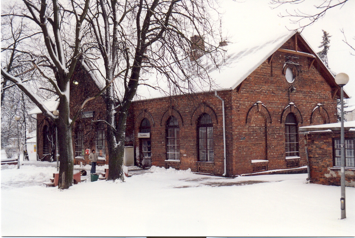 File Sochaczew Dworzec Kolejowy Jpg Wikimedia Commons