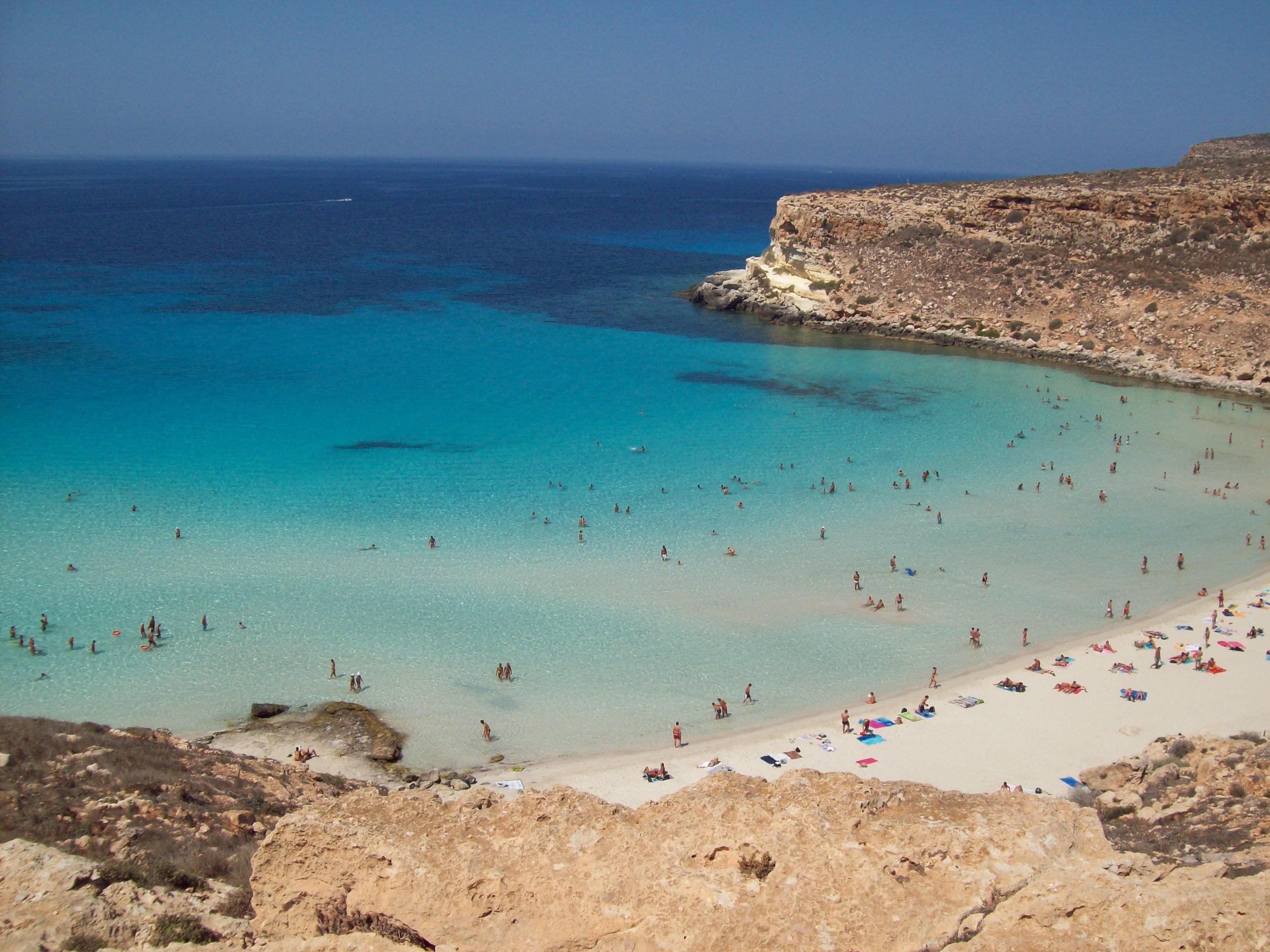 Matrimonio Spiaggia Lampedusa : File spiaggia isola dei coniglio lampedusa g wikipedia