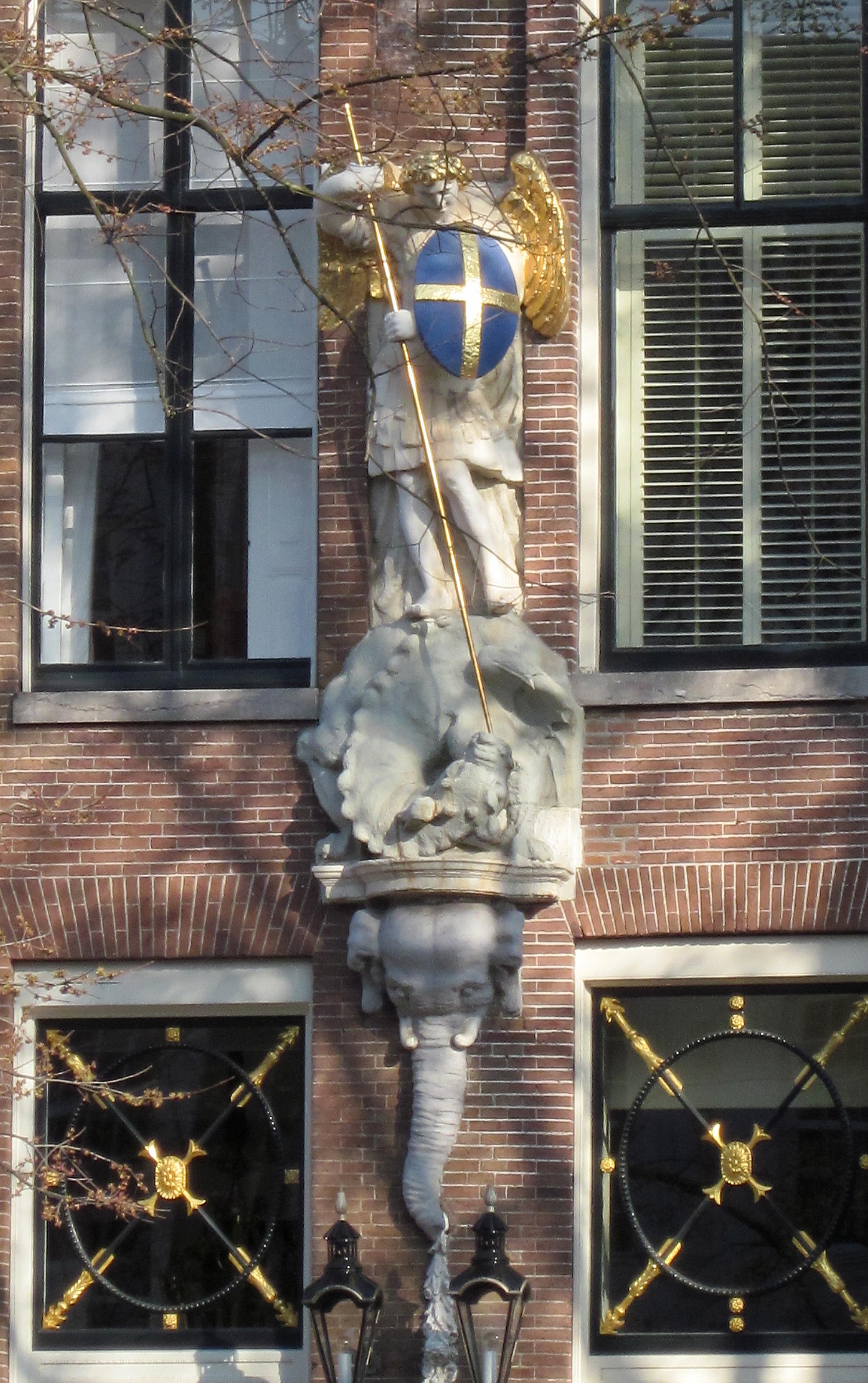 c2b8f0fe96407c File:St.Michael en de Draak Herengracht 571-581 Amsterdam.jpg ...