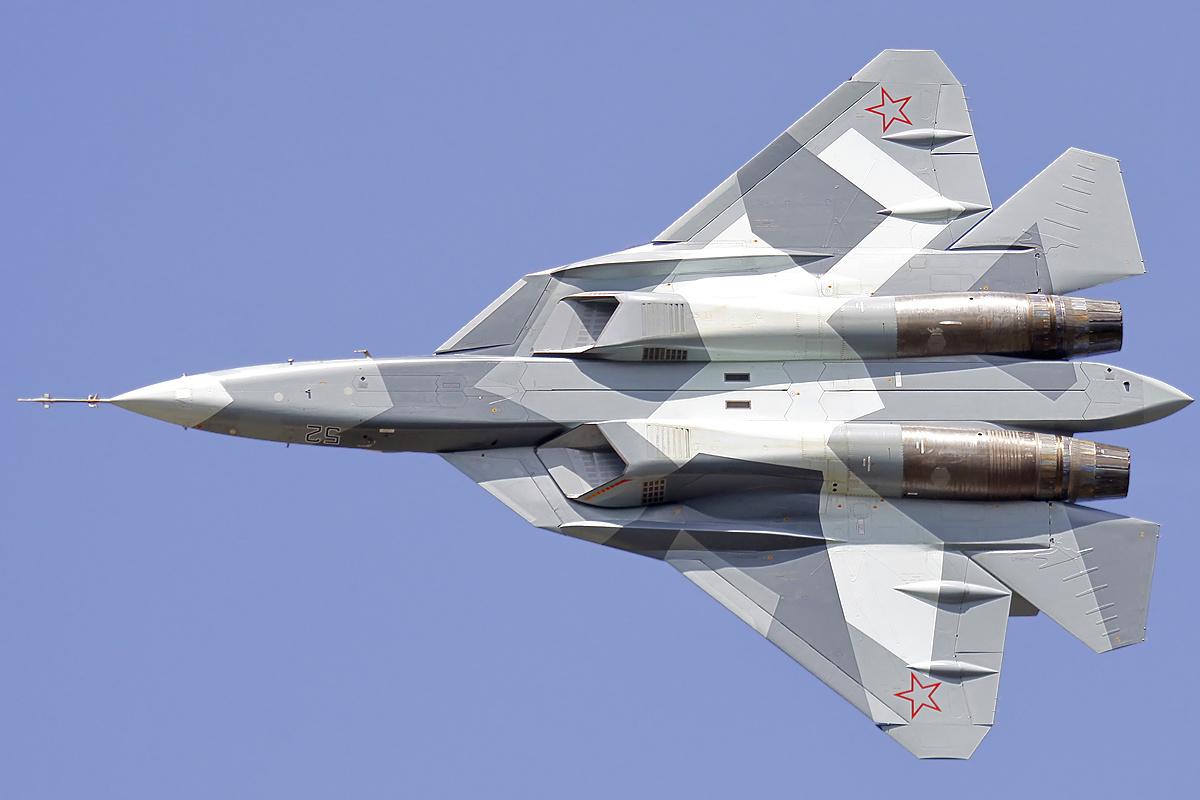 Sukhoi_T-50_in_2011.jpg
