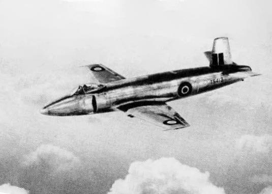 File:Supermarine Attacker prototype TS413 in flight 1947 ...