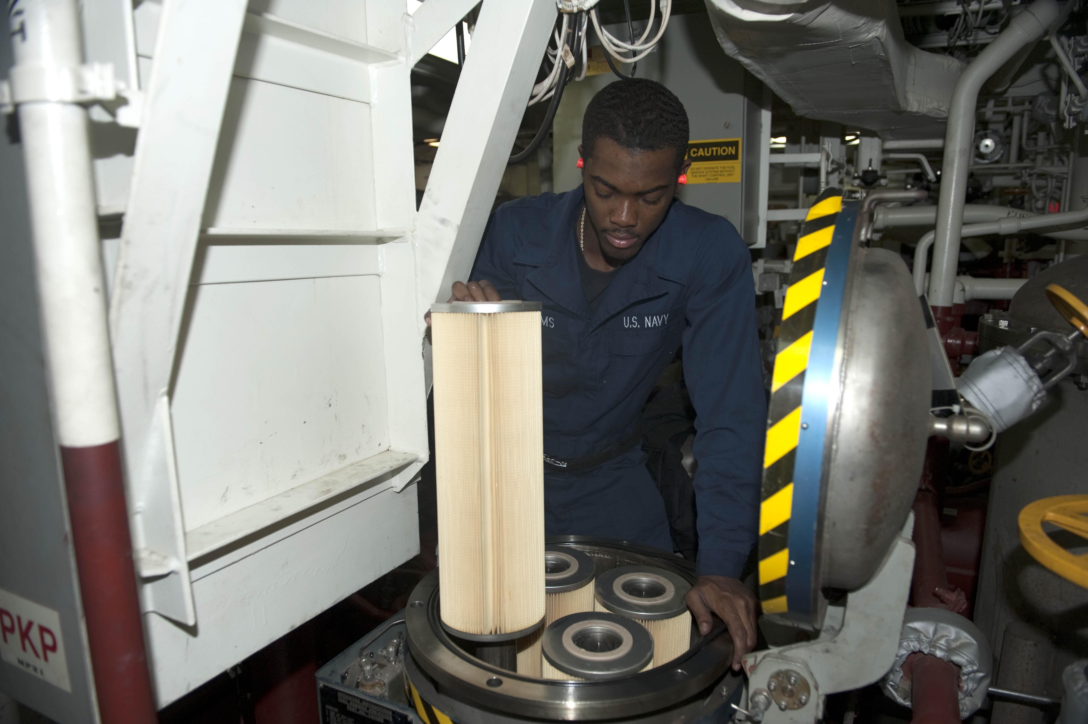 File US Navy N AP176 047 Gas Turbine System Technician