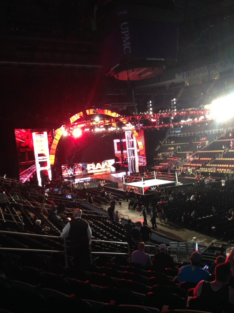 WWE Raw stage July 25, 2016-August 15, 2016.jpg