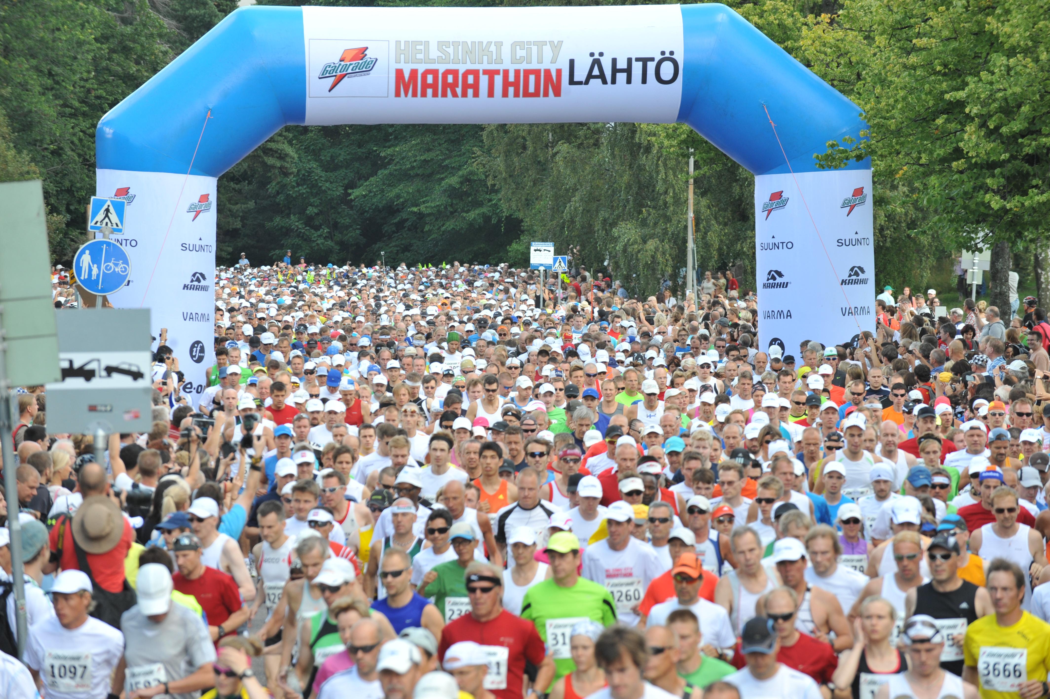 'Helsinki City Marathon lähtö.JPG