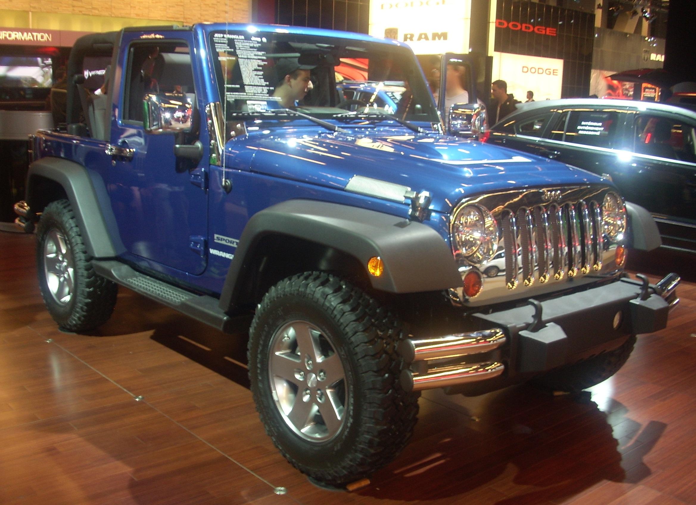 Description '10 Jeep Wrangler Sport (MIAS '10).jpg