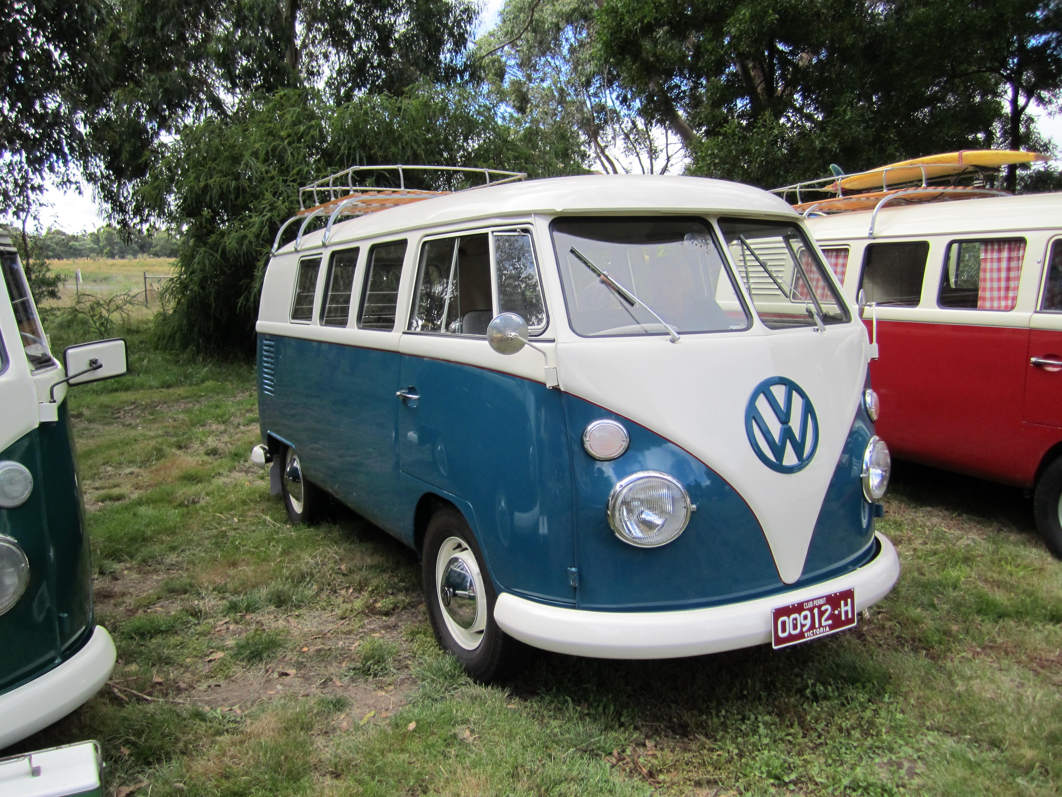 File:1953 Volkswagen Kombi T1.jpg - Wikimedia Commons