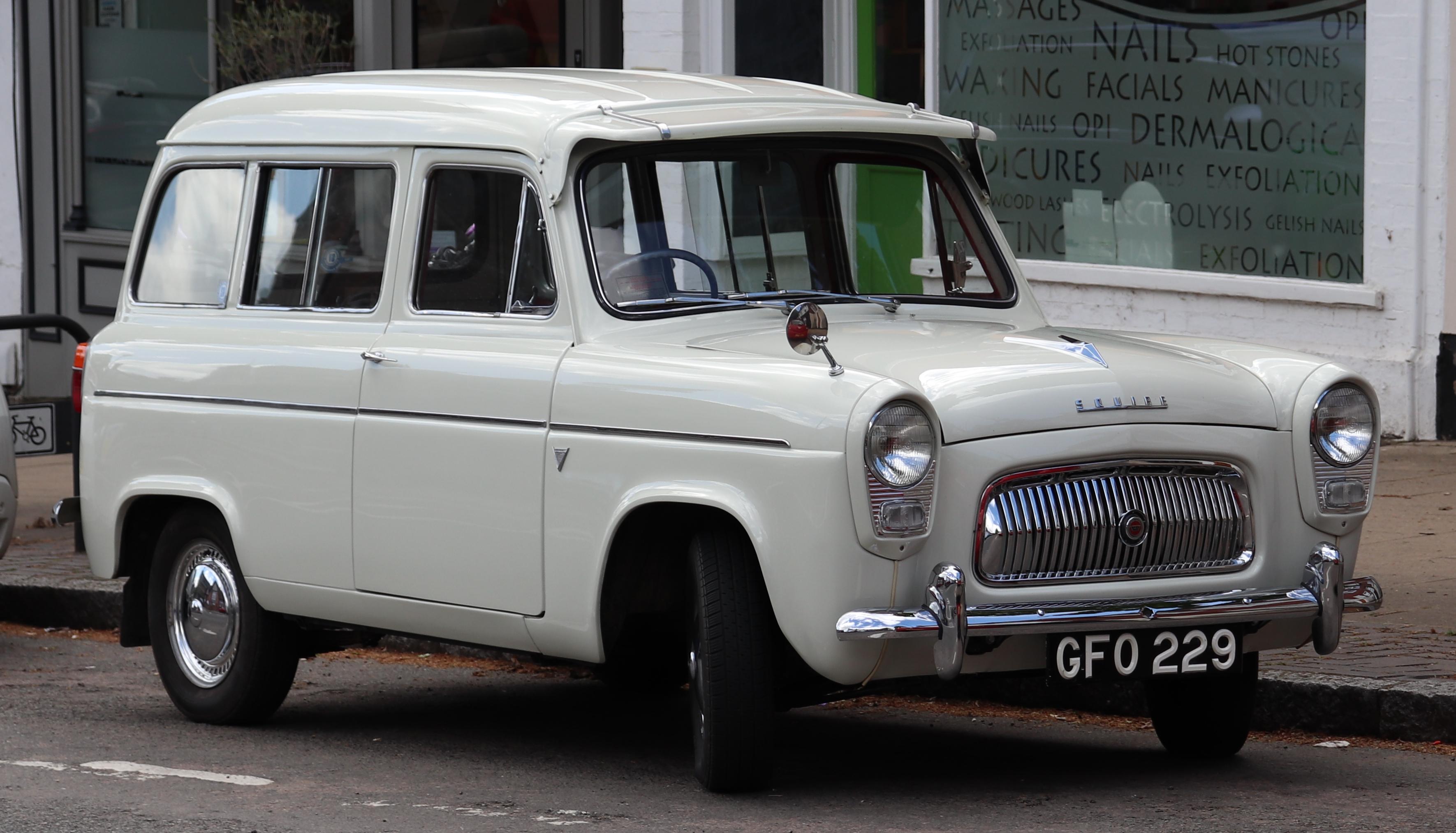 Ford escort gt mpg