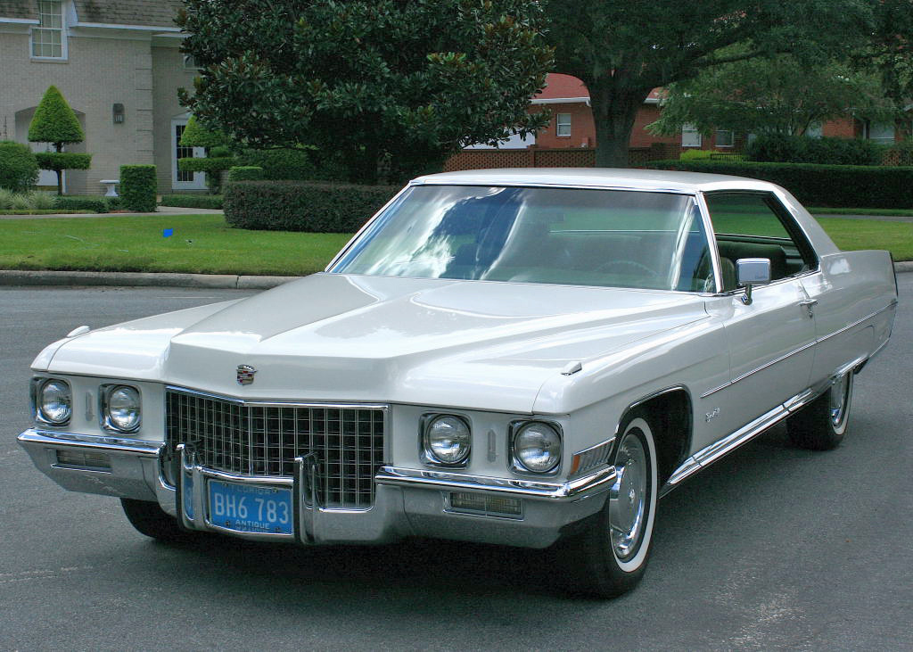 1971_Cadillac_Coupe_Deville_(17).jpg