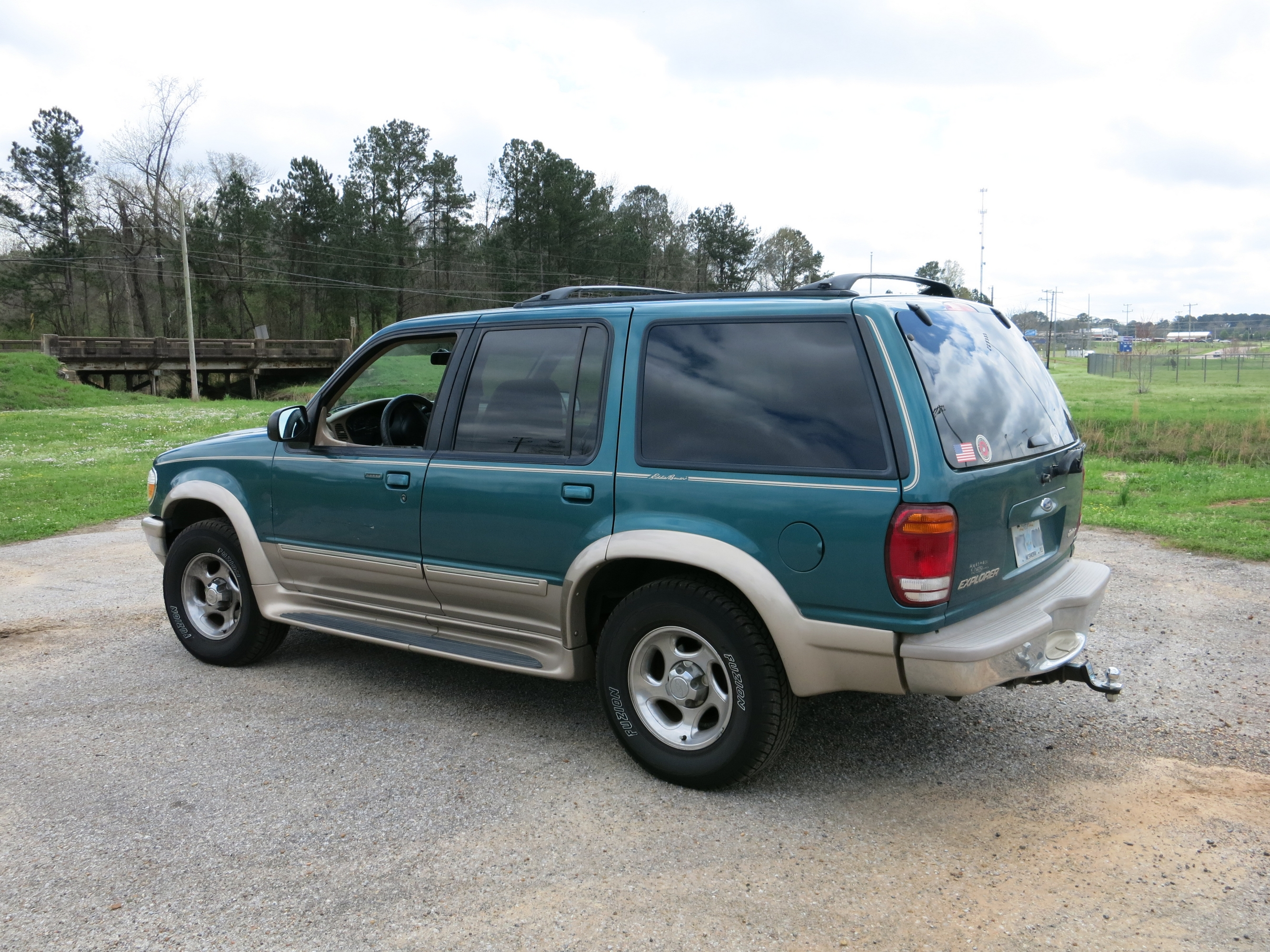 File1998 ford explorer eddie bauer edition 16310509024 jpg