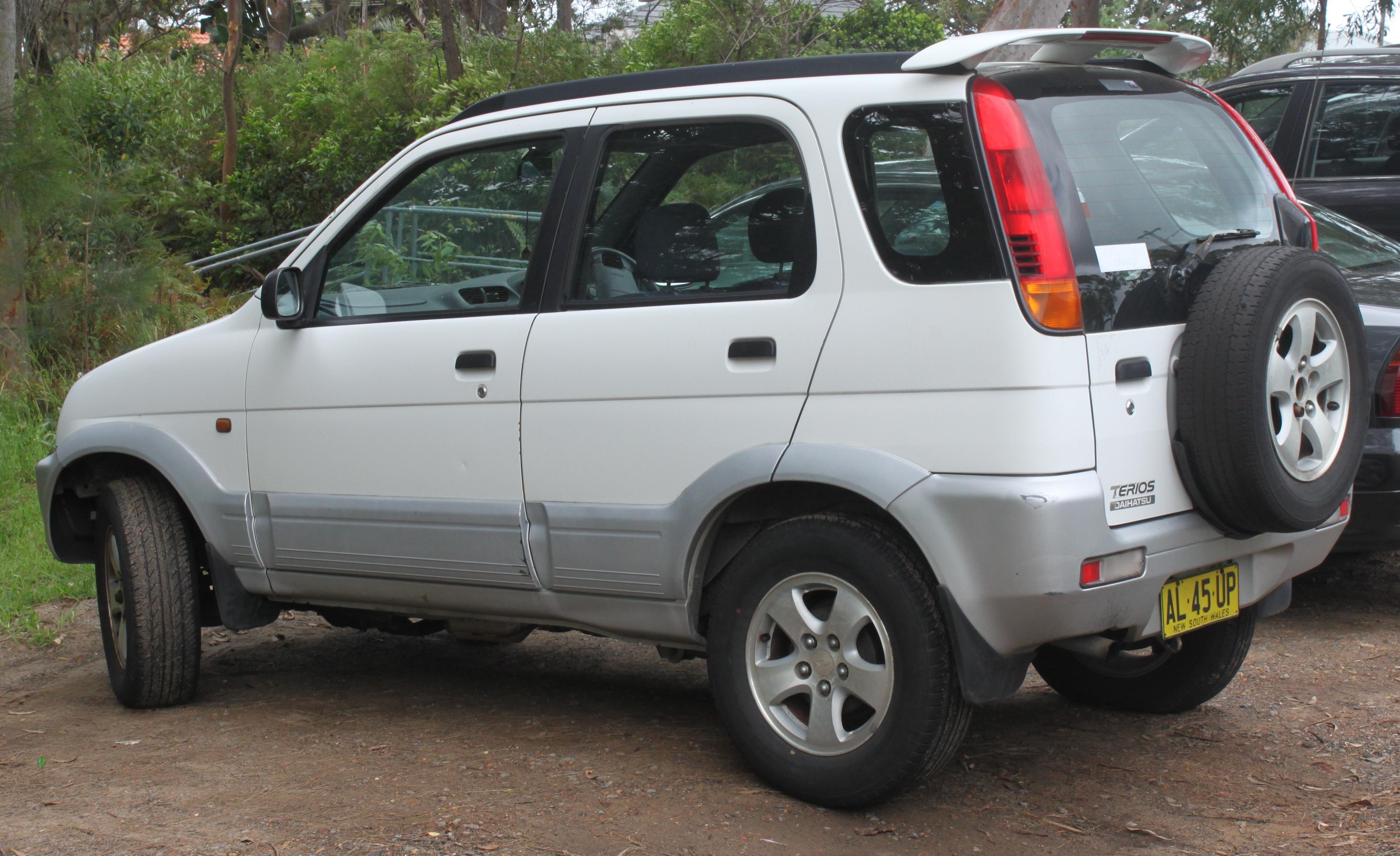 Kekurangan Toyota Terios Perbandingan Harga