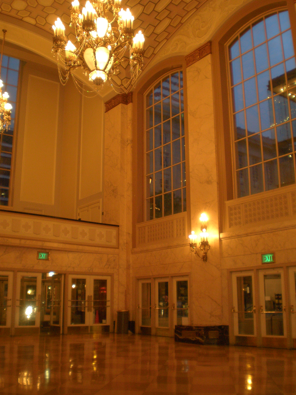 FileArlene Schnitzer Concert Hall Lobbyjpg Wikimedia Commons - Arnold schnitzer concert hall