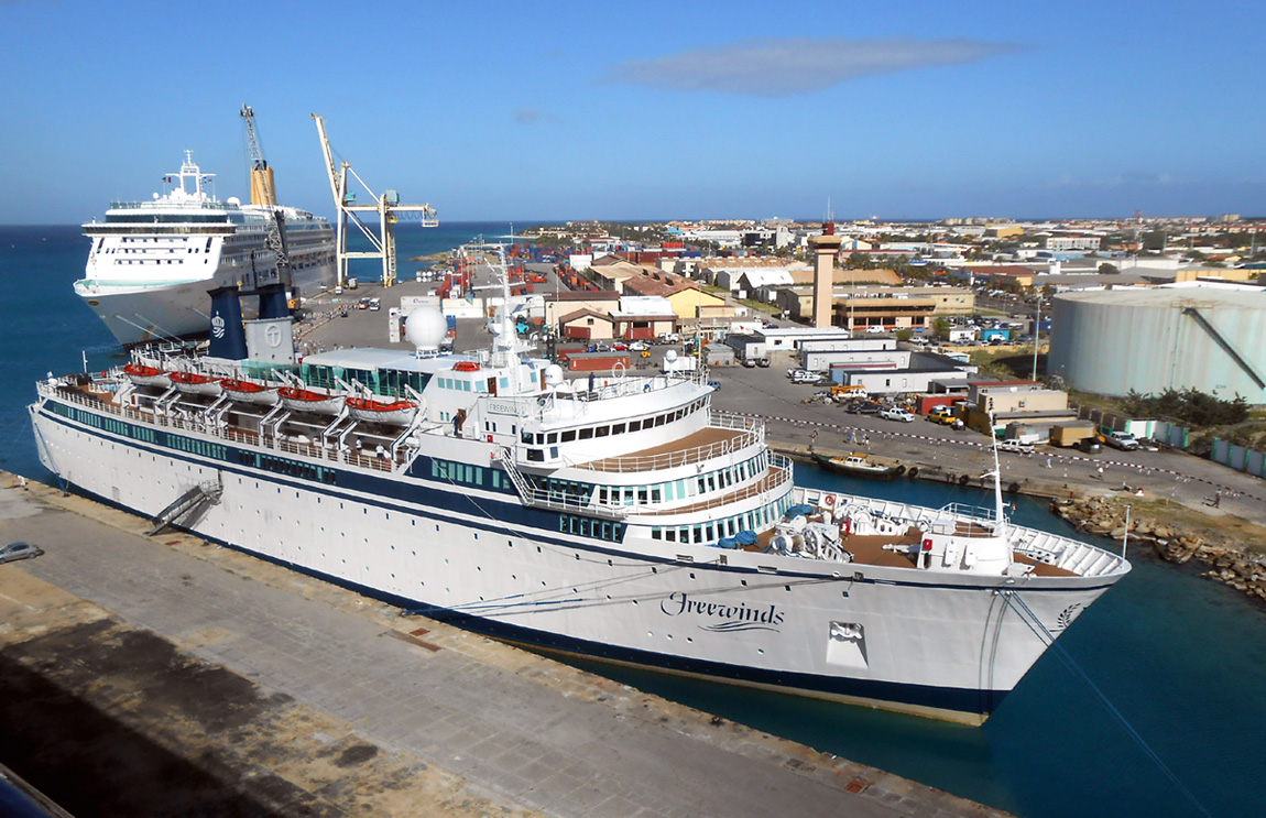 Freewinds Wikipedia - Cruise ships in aruba