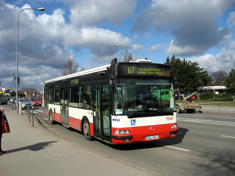 Autobus_na_lince_67.jpg