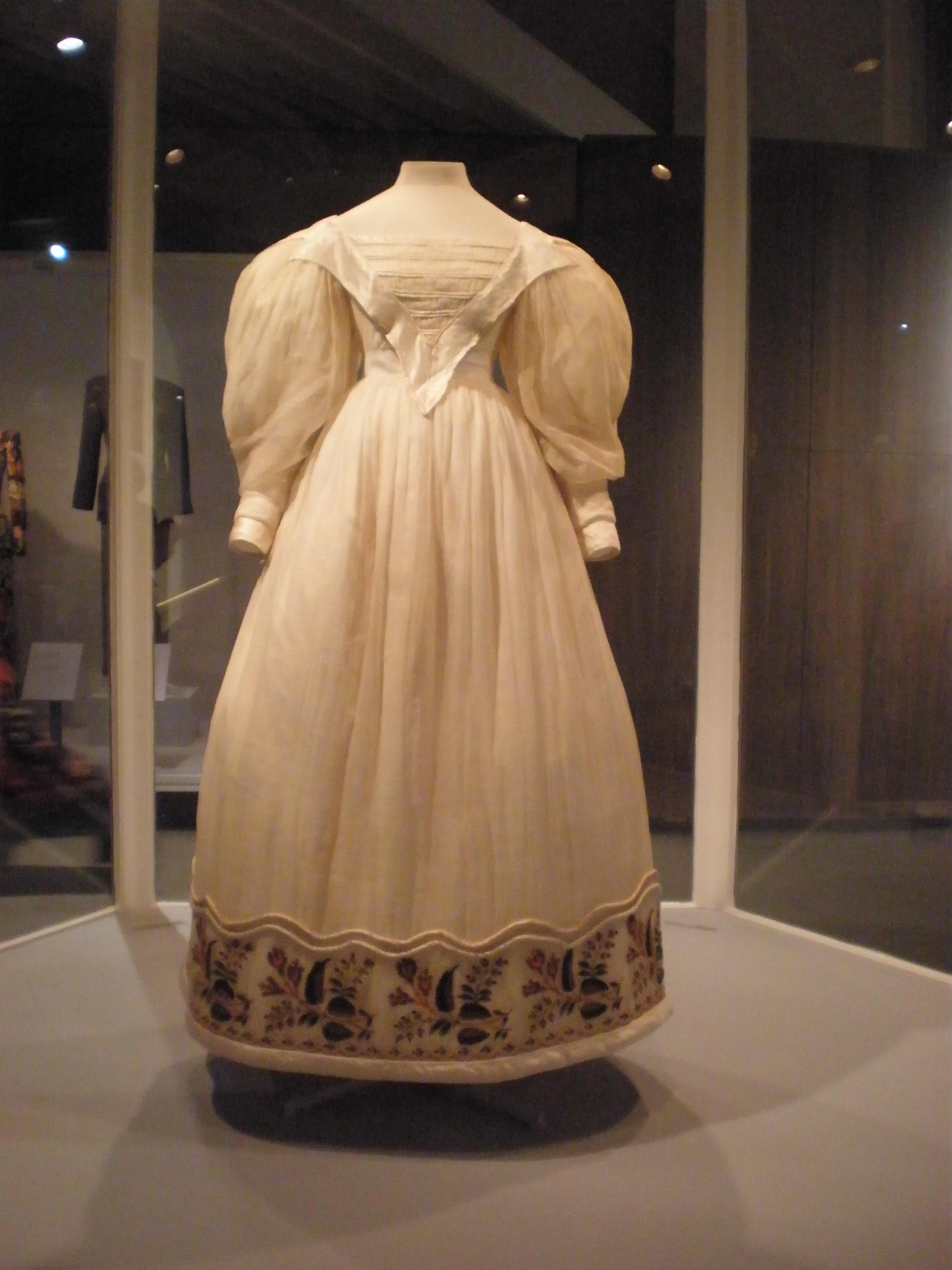 1790s Wedding Dresses