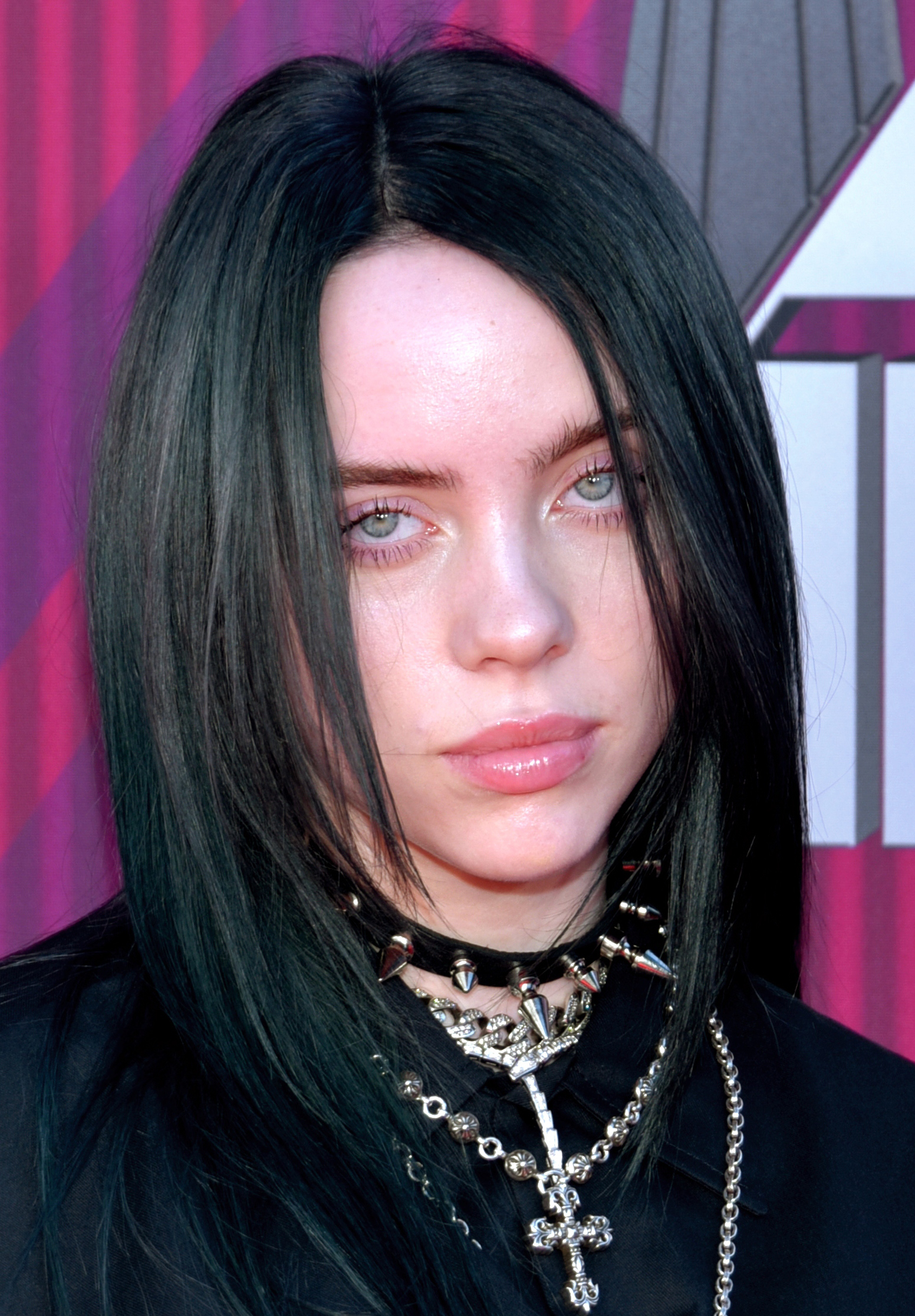 File:Billie Eilish 2019 by Glenn Francis (cropped) 2.jpg ...