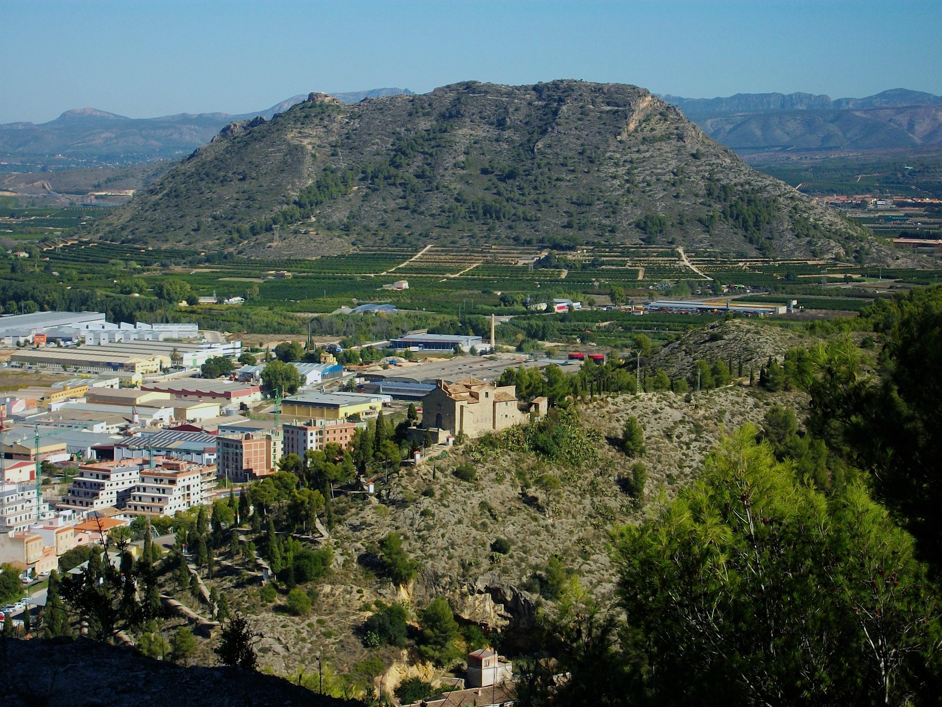 File:Calvari alt i el Puig, Xàtiva.JPG