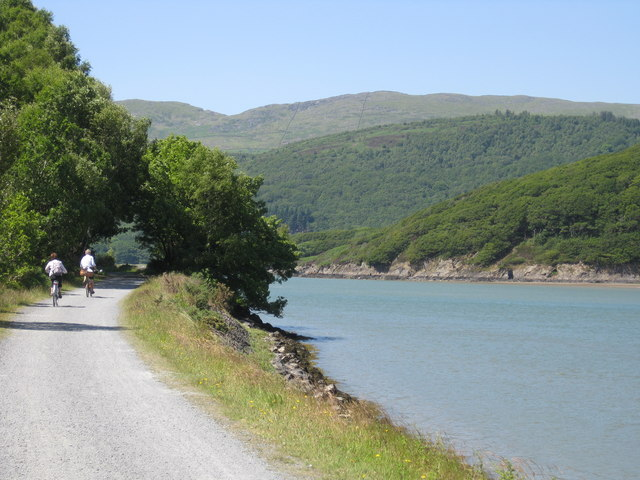 Cyclists on the Mawddach Cycle Trail - geograph.org.uk - 1374109