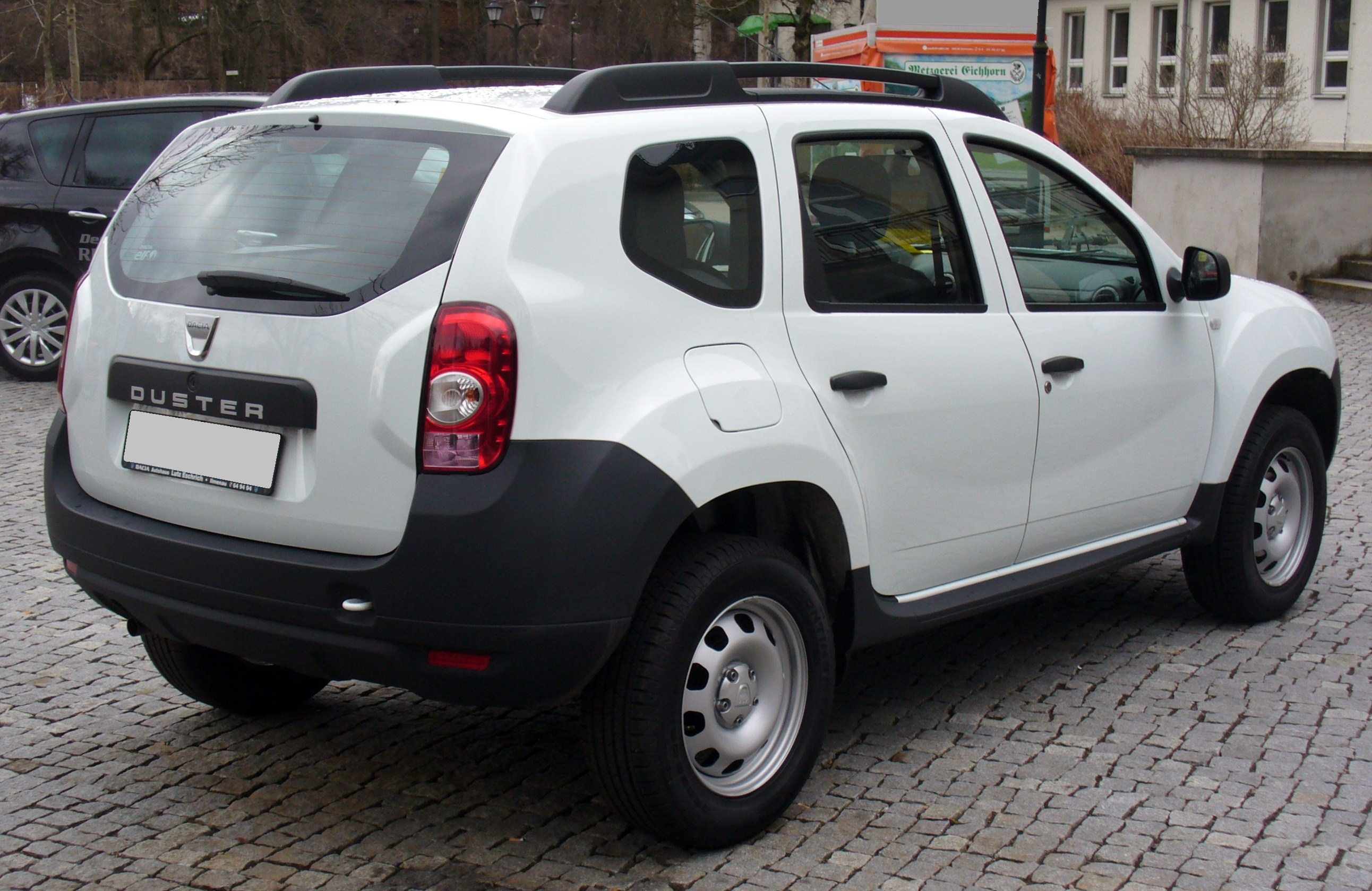 file dacia duster ambiance 1 6 16v 4x2 artikswei heck jpg wikimedia commons. Black Bedroom Furniture Sets. Home Design Ideas