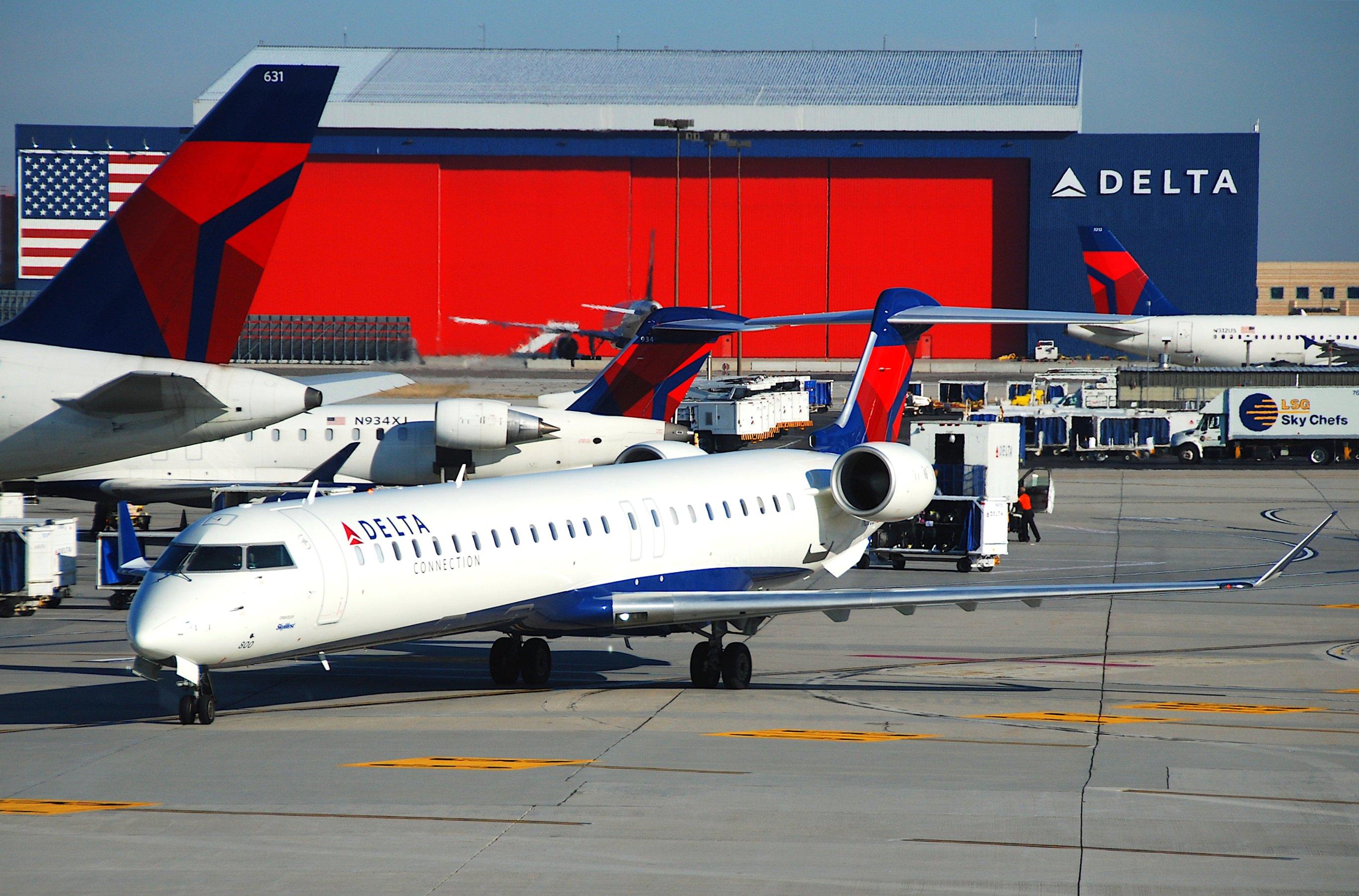 Resultado de imagen para Delta Connection CRJ-900