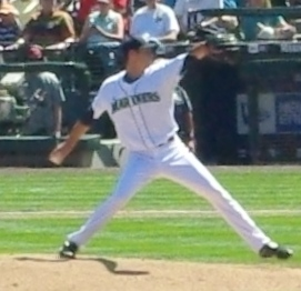 Doug Fister of the Seattle Mariners starts aga...