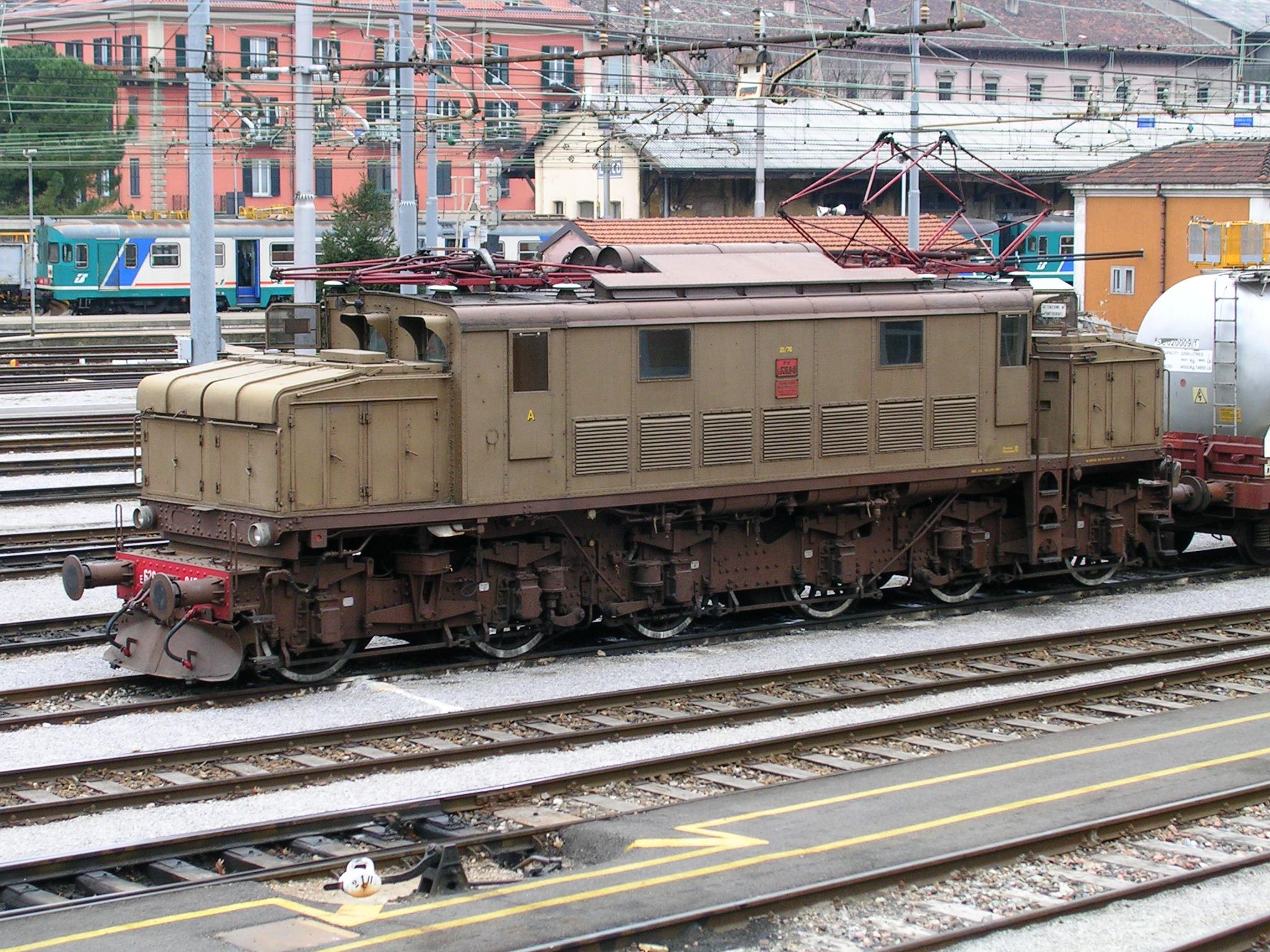 Schema Elettrico Regolatore Di Tensione Velocità Motore Elettrico Corrente Continua : Locomotiva elettrica wikipedia