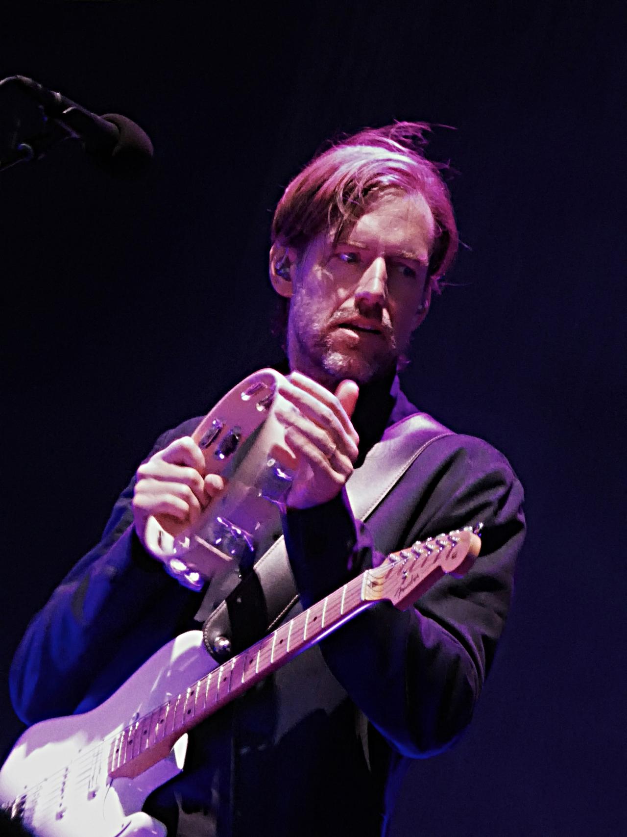O'Brien tocando con Radiohead en 2017.