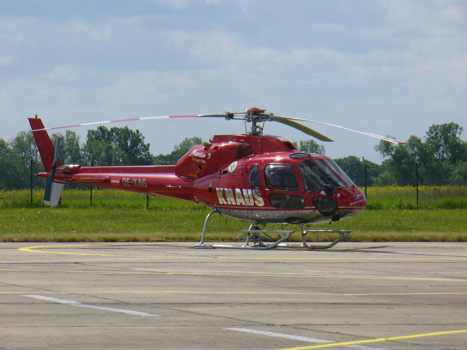 Elicottero 350 : File:eurocopteras350Écureuil ila2006.jpg wikimedia commons