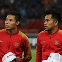 Evan Dimas (right) and Andik Vermansah (left).jpg