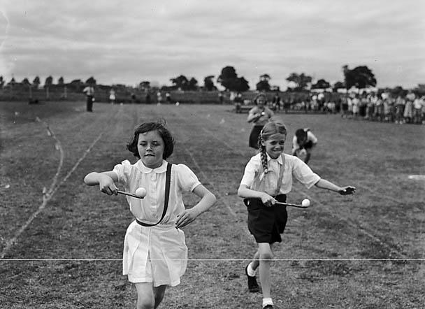 File:Harlescott (Junior) School Sports (7041859079).jpg