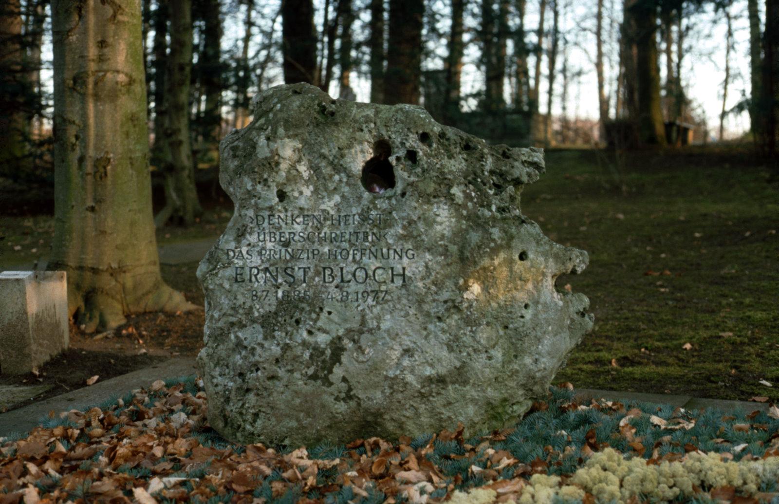 Grab von Ernst Bloch