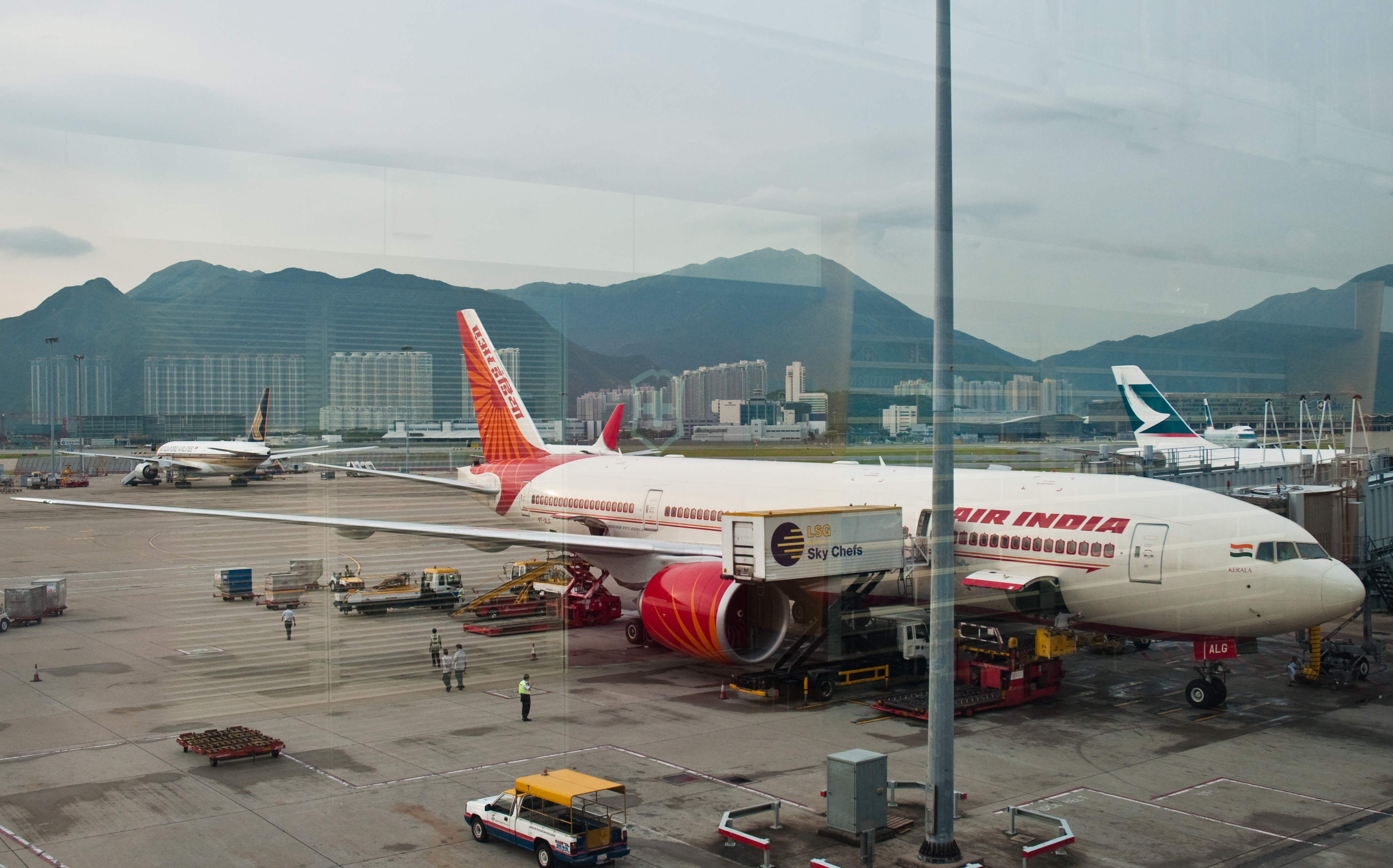 hong kong how to get from airport