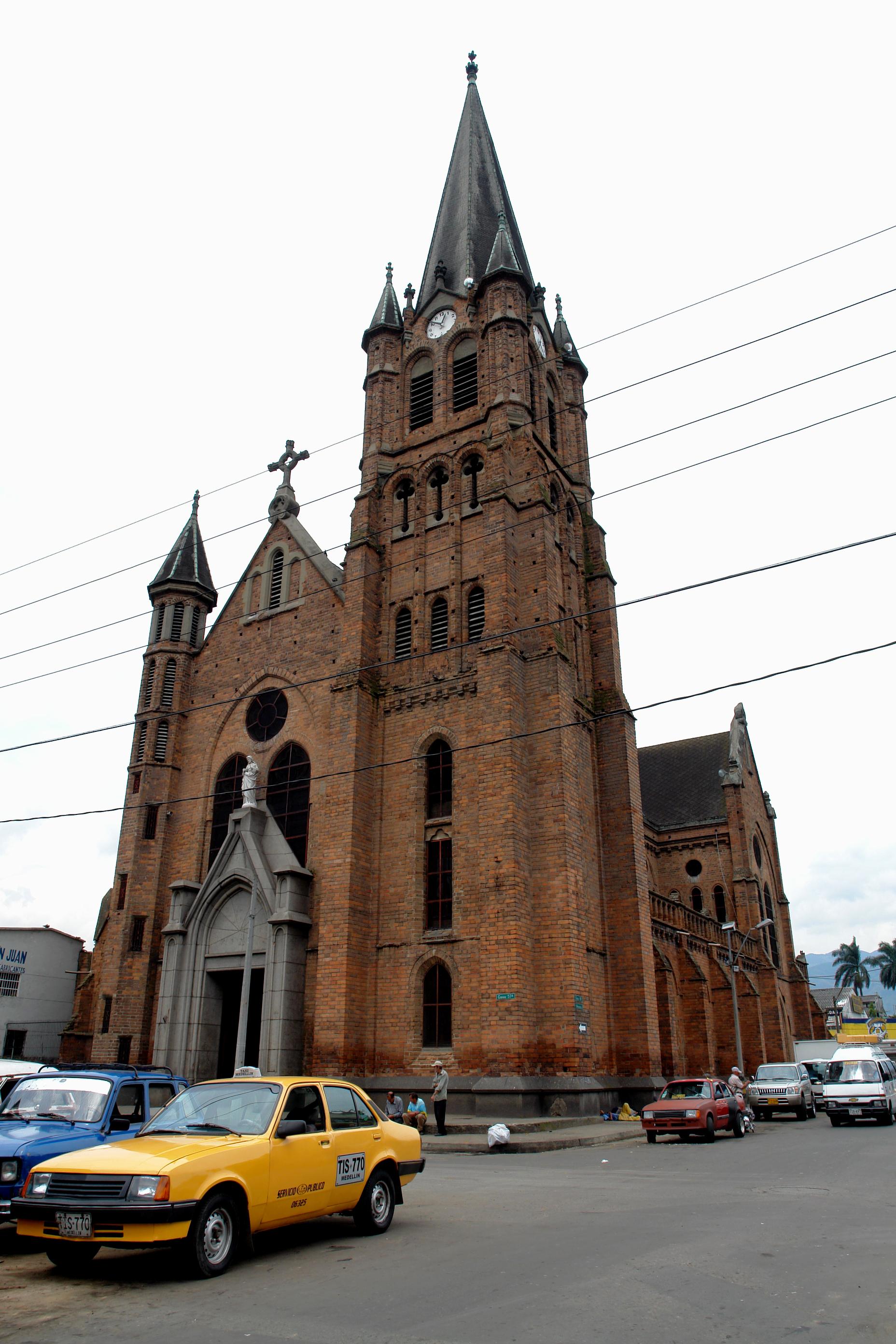 File Iglesia Del Sagrado Corazón De Jesus Medellin Jpg Wikipedia