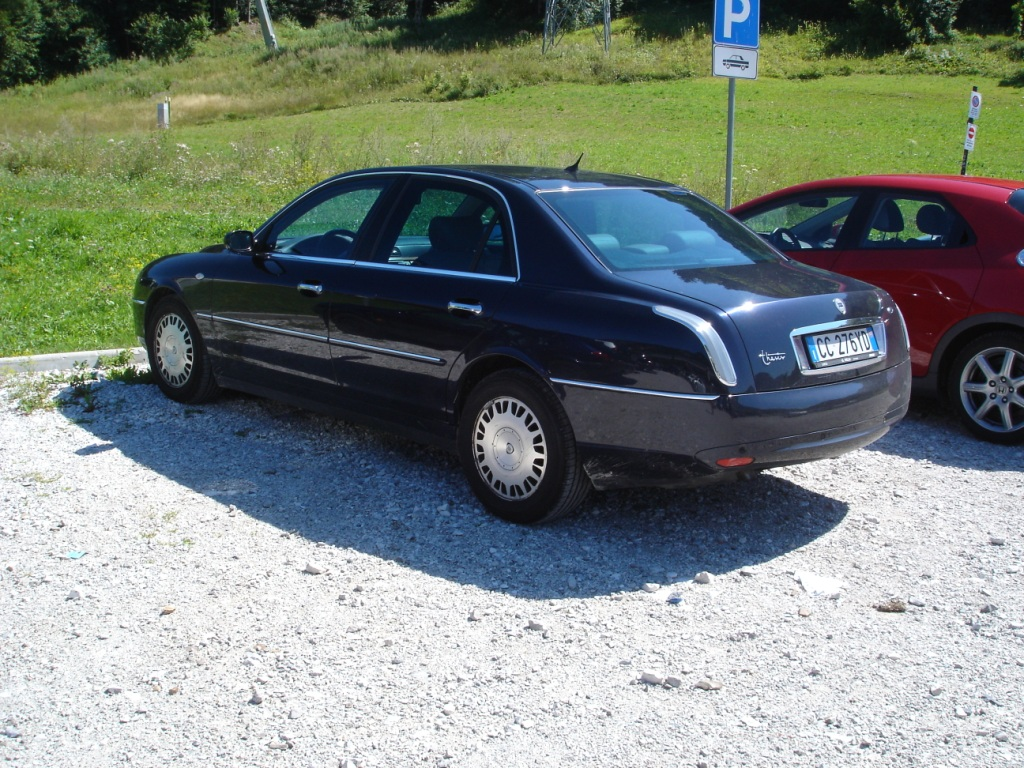 thesis lancia dimensioni The lancia thesis (type 841) is an executive car produced by italian automaker  lancia between 2001 and 2009 it was available with naturally aspirated and.
