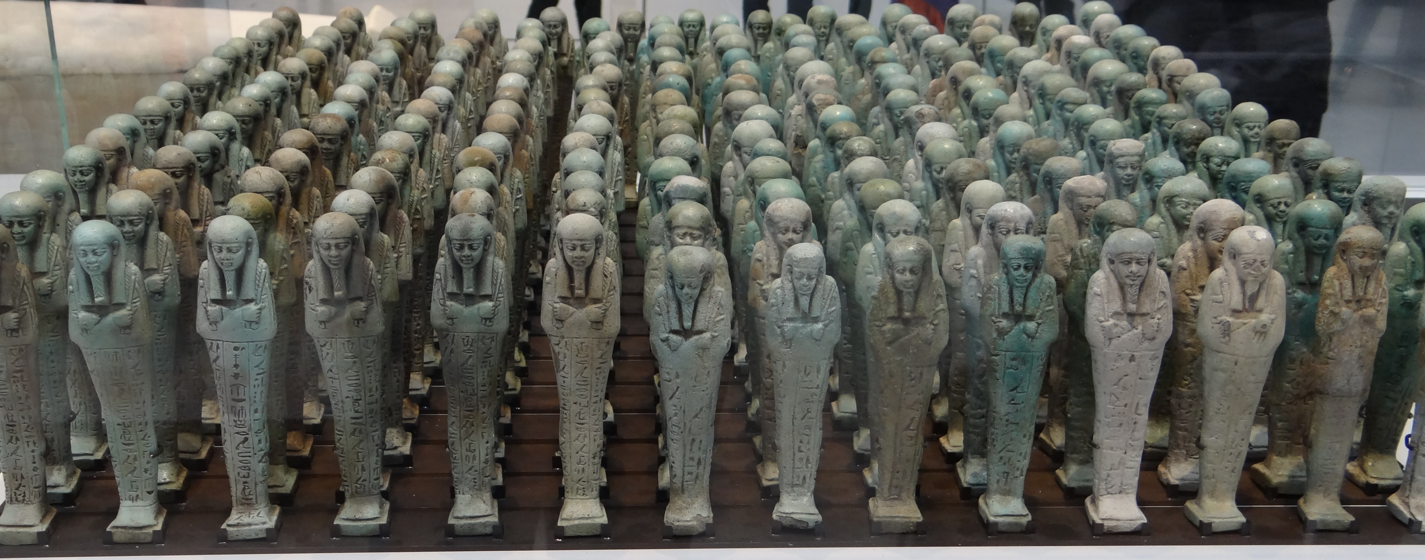 Troop of funerary servant figures shabtis in the name of Neferibreheb