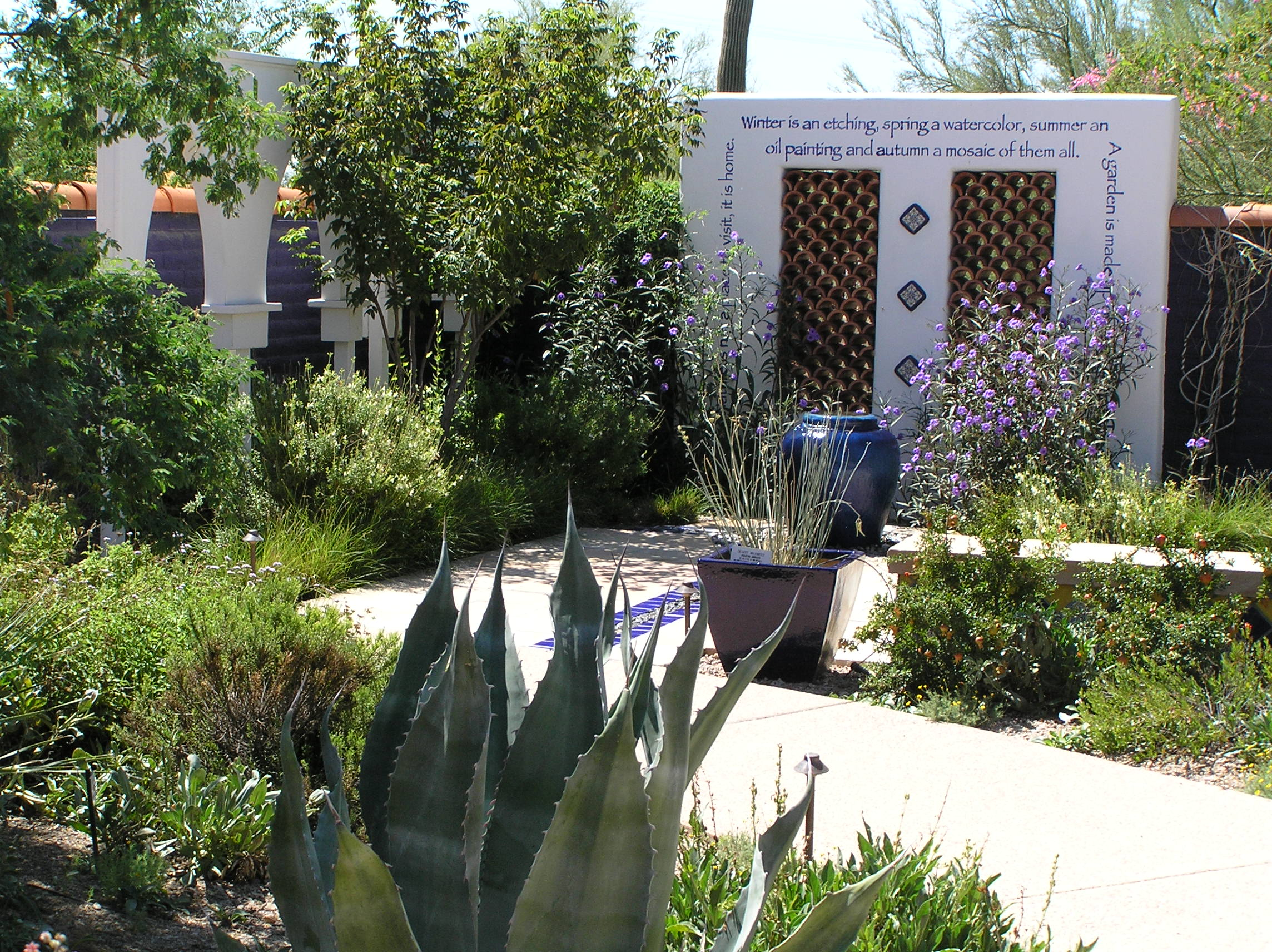 File:Moorish Garden, Desert Living Courtyard At Tohono Chul, Tucson.JPG