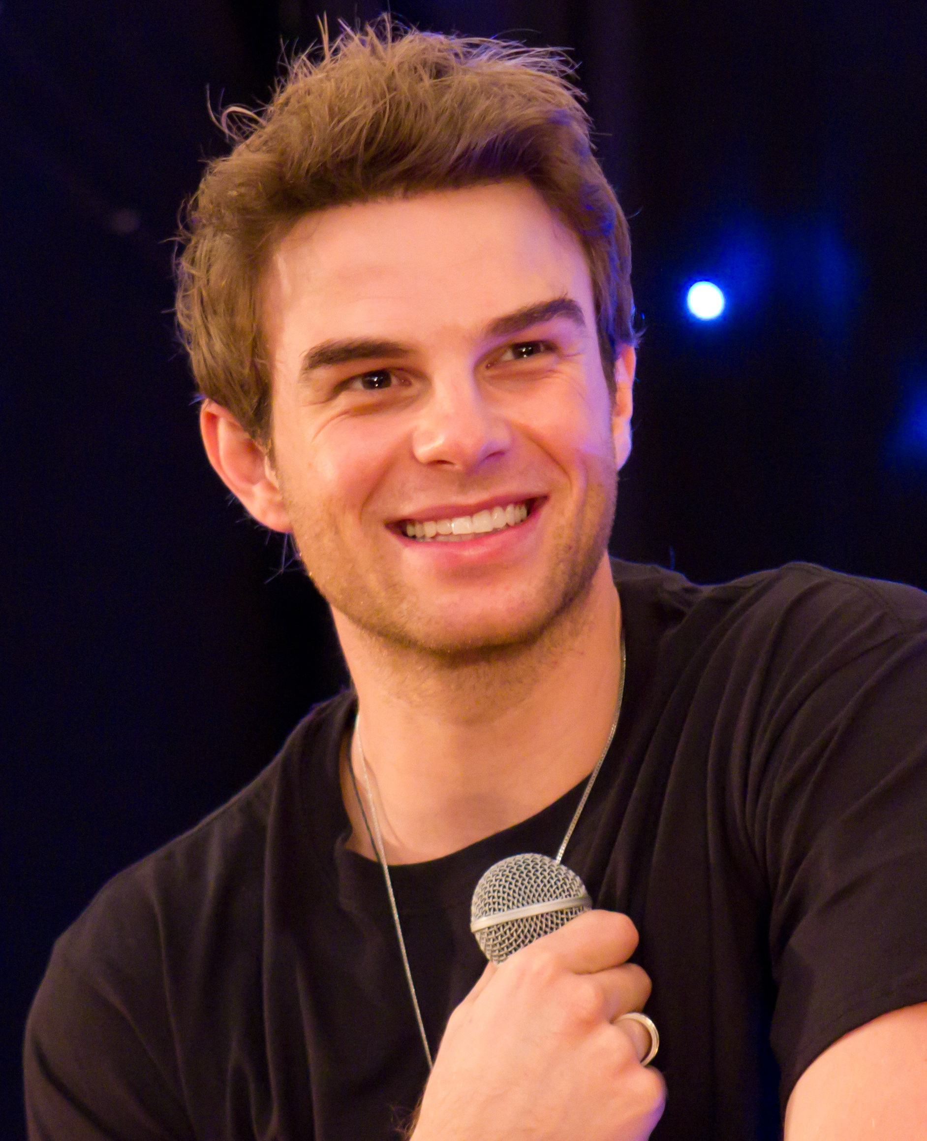 The 35-year old son of father (?) and mother(?) Nathaniel Buzolic in 2018 photo. Nathaniel Buzolic earned a  million dollar salary - leaving the net worth at 1 million in 2018