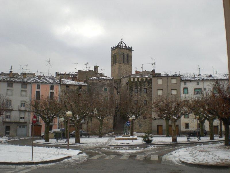 File:Passeig de la muralla, Santa Coloma de Queralt (nevada del ...