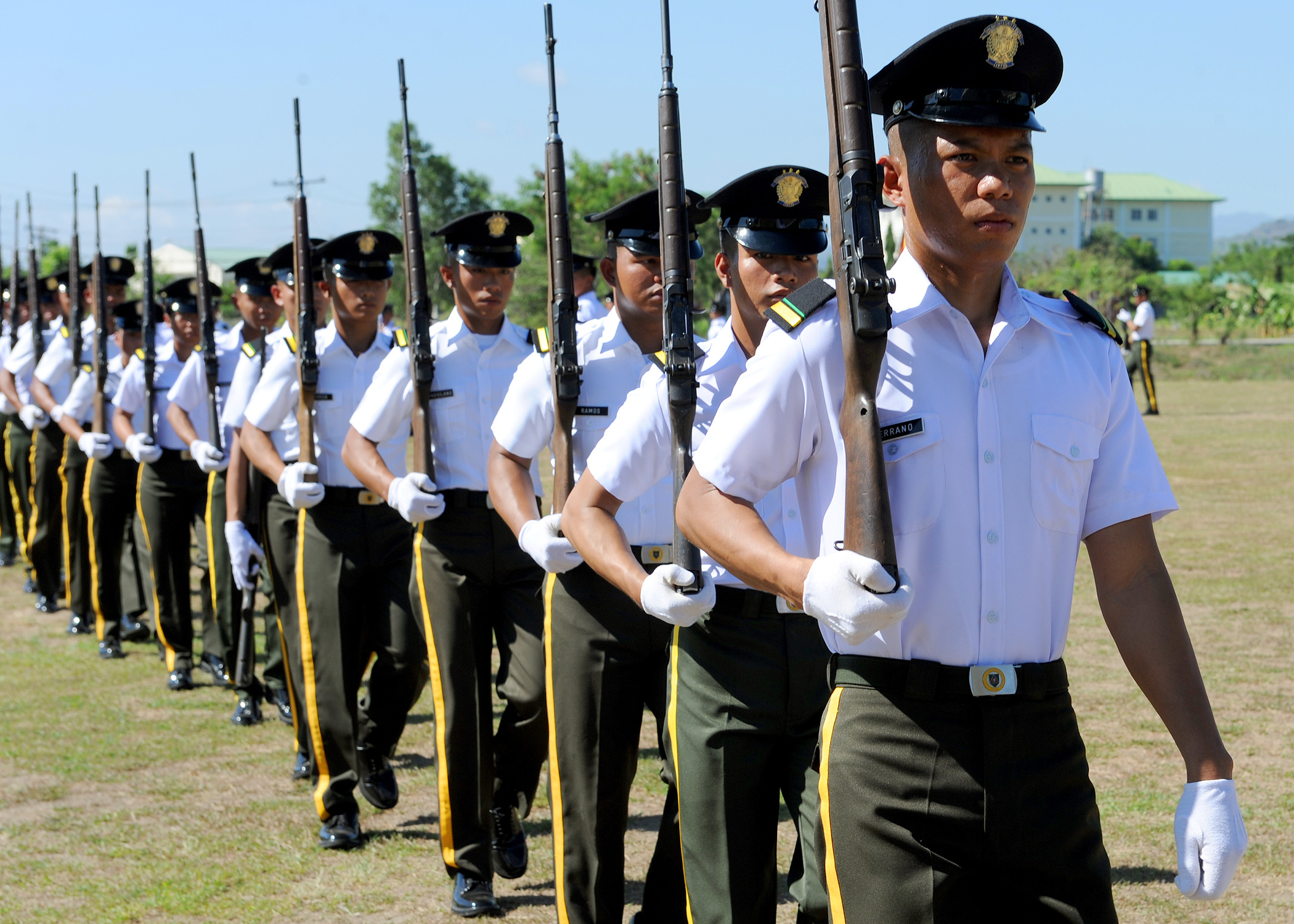 File philippine army officer cadets march on the parade grounds during balikatan 2013 at camp o - Military officer training school ...