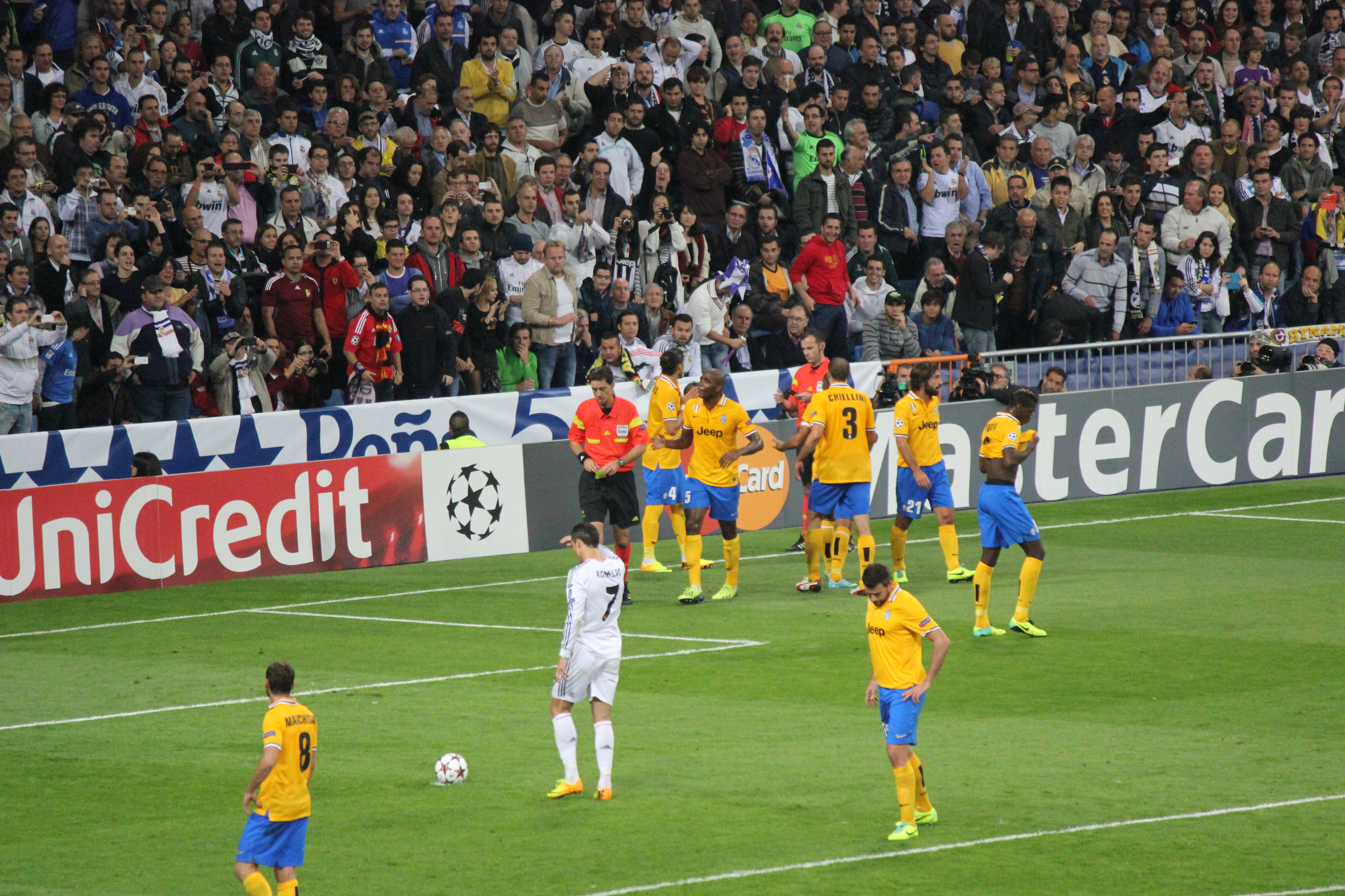 File:Real Madrid vs Juventus, 24 October 2013 Champions ...