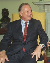 Richard Riordan 1993.jpg