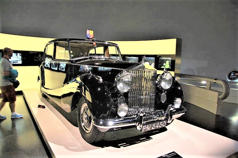 file rolls royce phantom iv in bmw museum in munich bayern jpg wikimedia commons. Black Bedroom Furniture Sets. Home Design Ideas
