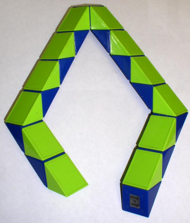 Rubik's Snake Wikiwand Mesmerizing Rubik's Snake Patterns